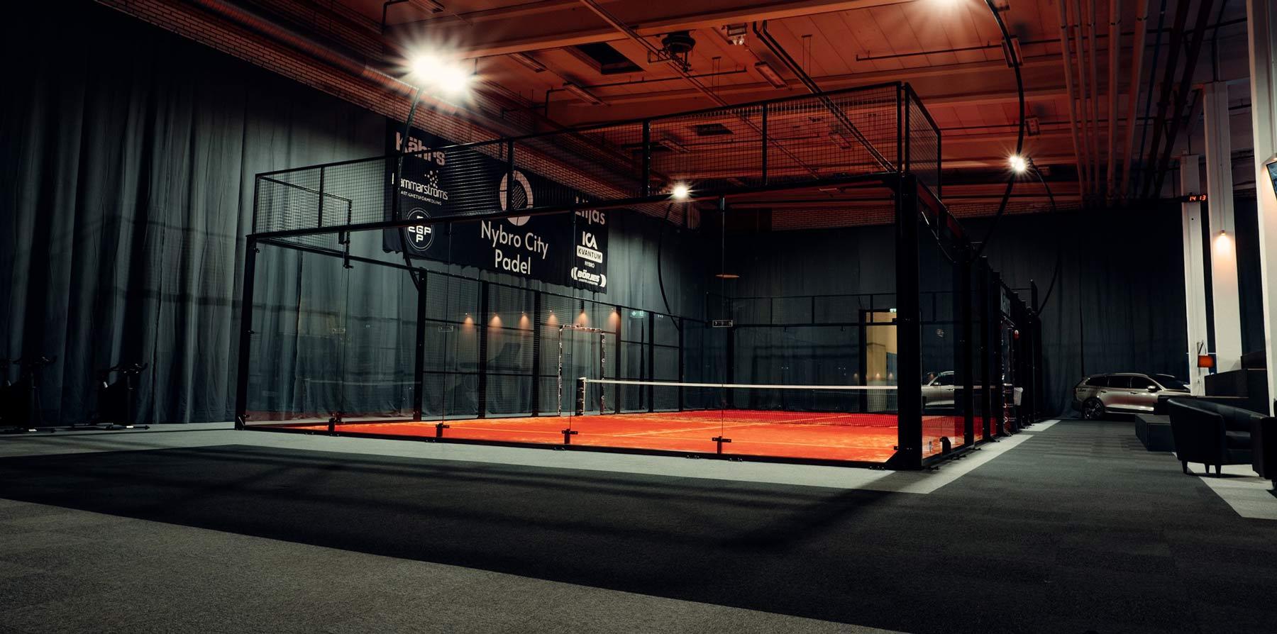 akustik padel padelhall ljudabsorberande tyg golv nålfiltsmatta